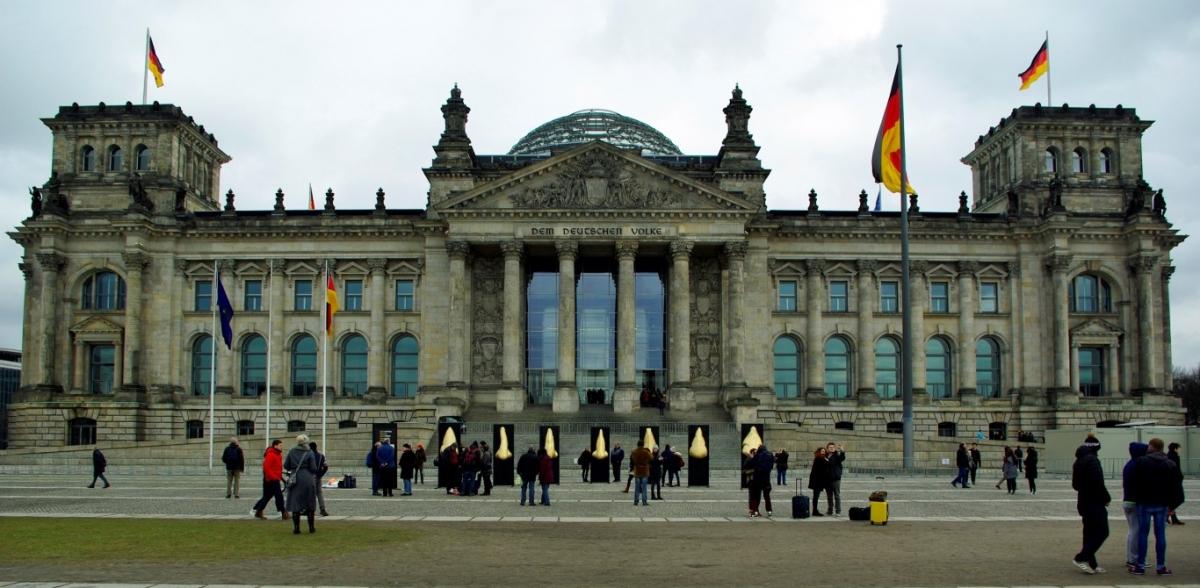 Aufschrei.Reichstag (01) (Medium)